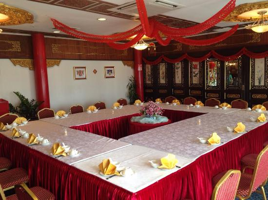 Phongmun Restaurant Sdn. Bhd: VIP Room available for special functions.
