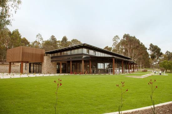 Eight Willows Retreat: Function Centre