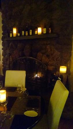 Alex Italian Restaurant: Fireside dining