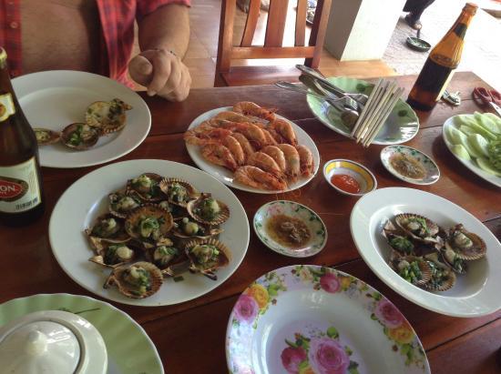 Truong Linh Phu Quoc Resort: Обед от сотрудников