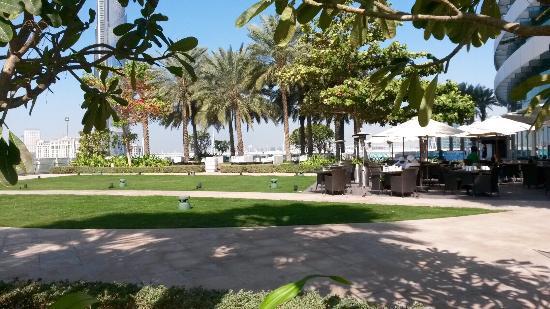 Zona Della Terrazza Del Ristorante Picture Of Crowne Plaza