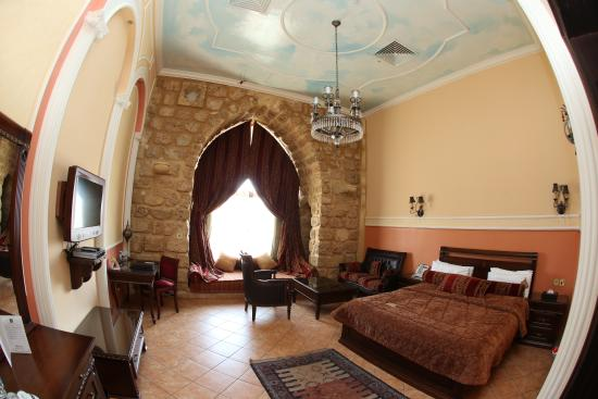 Assaha Hotel: Tuscan room