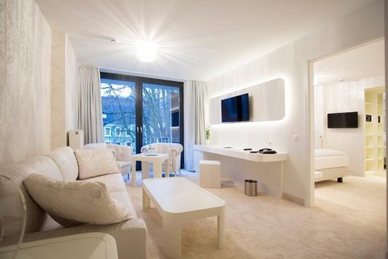 Design hotel kronjuwel bewertungen fotos for Designhotel waldkirch