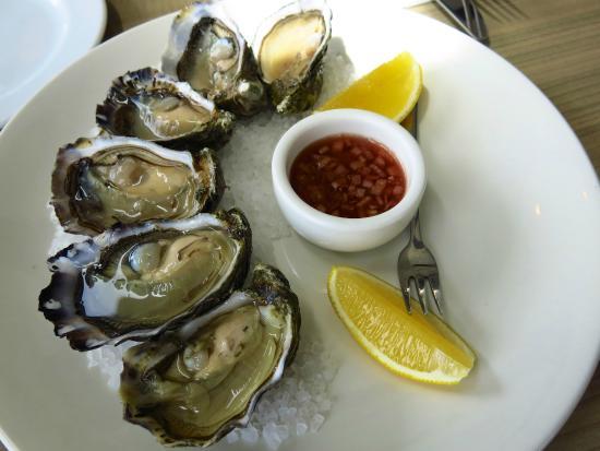 Little Blue Restaurant: Beautiful oysters