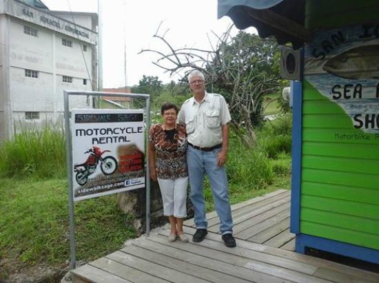 Sidewalk Sage Motorcycle Rental : David & Marilyn at the Sidewalk Sage