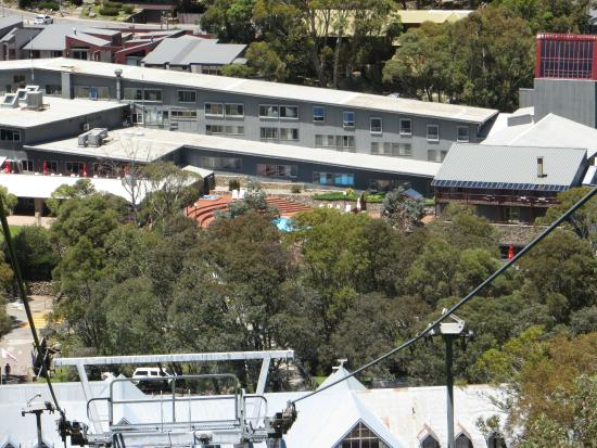 Rydges Thredbo Alpine Hotel: Room from the chairlift