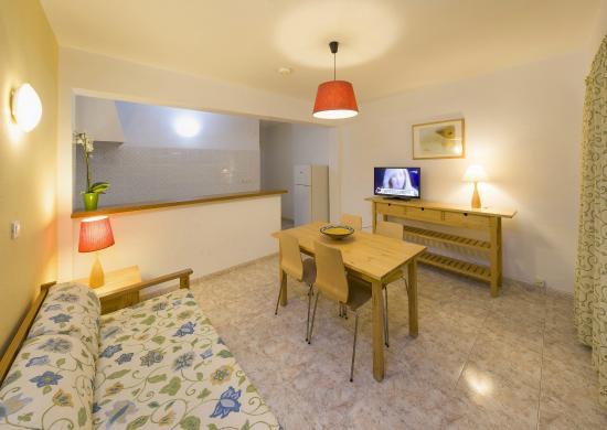 Hostal Residencia y Apartmentos Rita