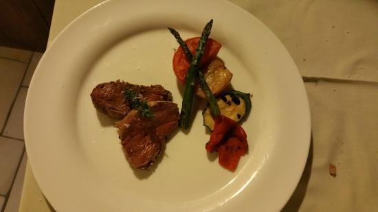 Mas Romeu Restaurante: filete despues de la sal con sus verduras