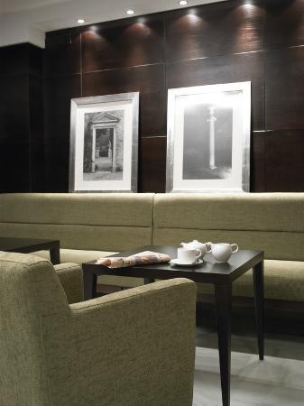 NH Collection Granada Victoria: Lobby