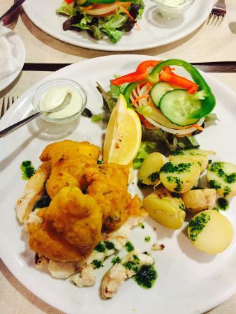 Grill-Restaurante M'es Igual: Impresionante la tempura de cherne! Segunda vez que vengo a la isla por trabajo y visita obligad