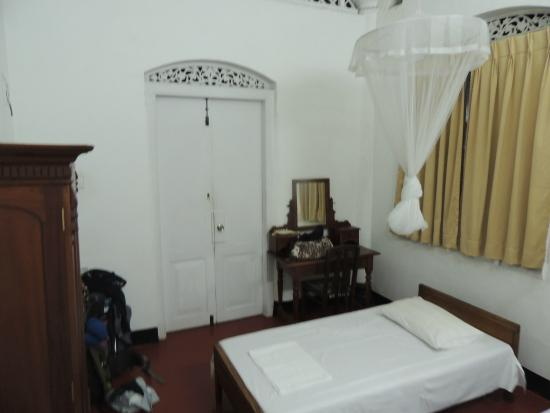 YWCA International Guest House : small room