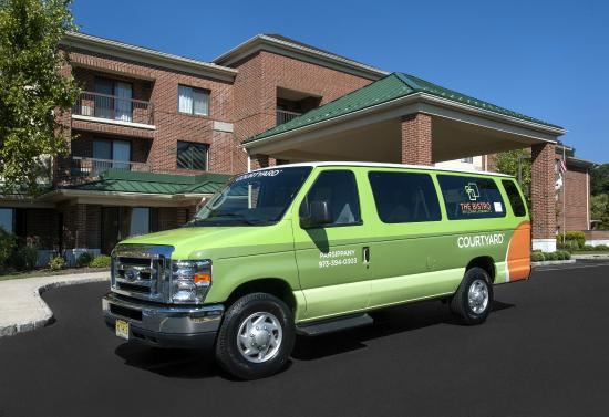 Courtyard Parsippany: Shuttle service to local businesses within 2 miles