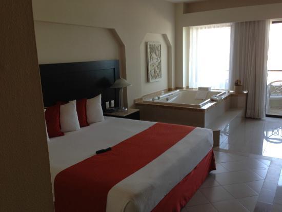 Crown Paradise Club Cancun: Crown Club Room