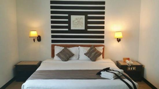 Felda Residence Hot Springs: KING BED