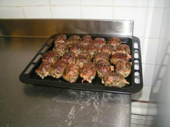 Restaurant le Jardin: les veritables caillettes de chabeuil faite maison