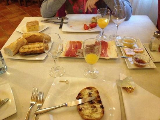 Sant Feliu Hotel: Desayuno