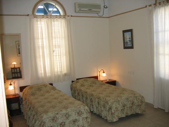 Beit Immanuel Hostel : Room 15