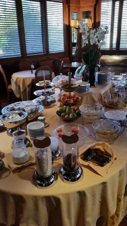 Polo Hotel: Buffet a colazione
