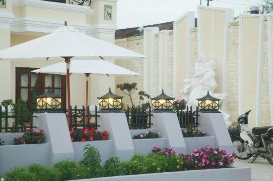Le Petit Paris Dalat Hotel