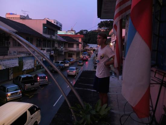 Lucy  Homestay : Sunset at the Balcony