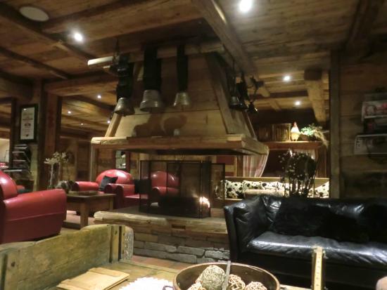 Hotel Les Grands Montets: Salon/bar