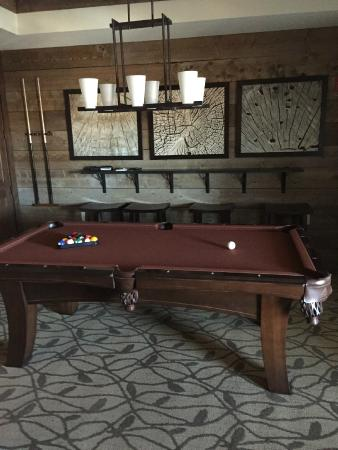 Bluegreen Vacations Paradise Point, Ascend Resort Collection: Pool table room