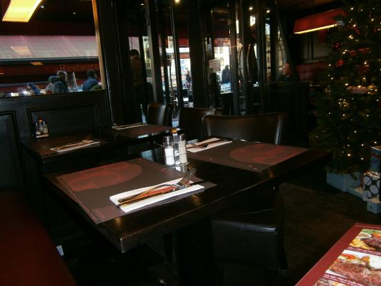 Brussels Grill : Interior