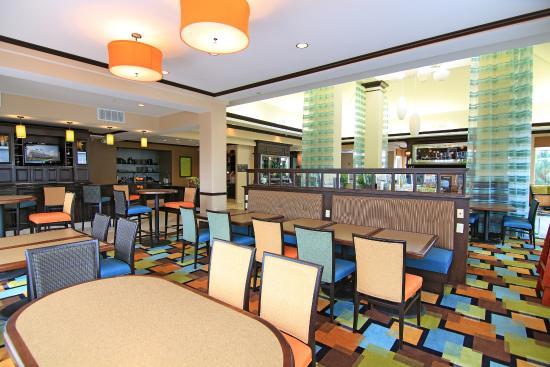 Hilton Garden Inn Cincinnati/Mason: Dining