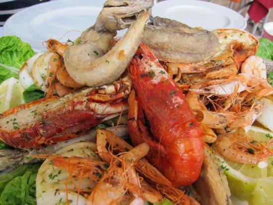 La Lampara : good sized lobster & prawns