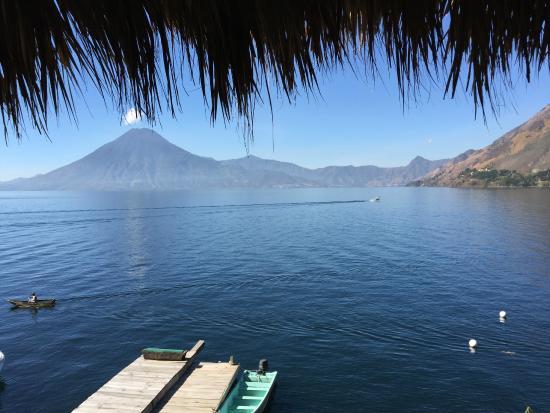 Laguna Lodge Eco-Resort & Nature Reserve: Vista desde un de las habitaciones