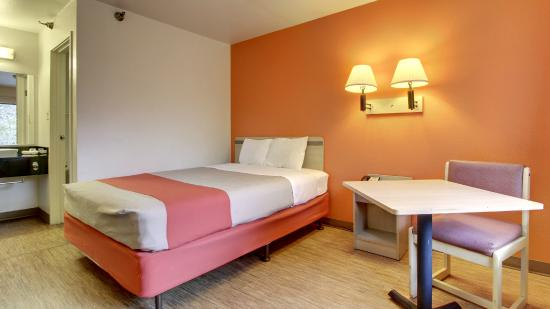 Motel 6 Des Moines North: Guest Room