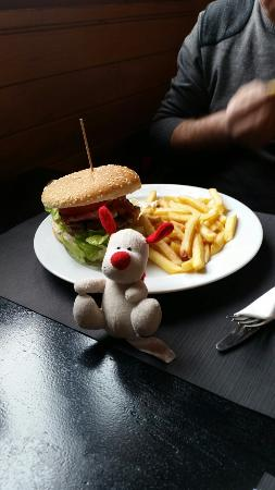 Snack Bar The Bull: Our ted with the Borda Burger