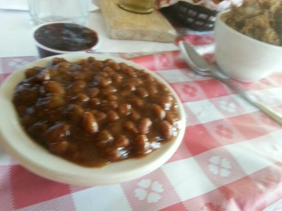 Stu Miller's Pig Feathers BBQ: baked beans