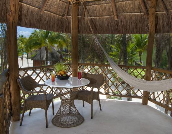 Mahekal Beach Resort: Balcony