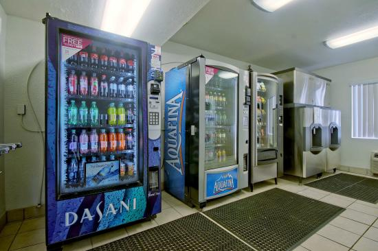 Motel 6 Fort Lauderdale: Vending