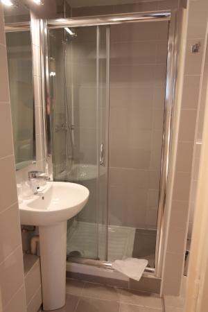 Hotel Boronali: Our bathrooms / nos salle de bain