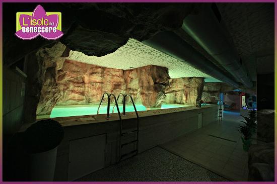 San Felice a Cancello, Италия: SPA Completamente Rinnovata - Piscina con Grotta
