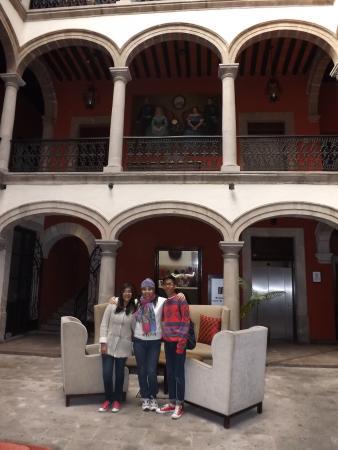 Mision Catedral Morelia : en el lobby del hotel