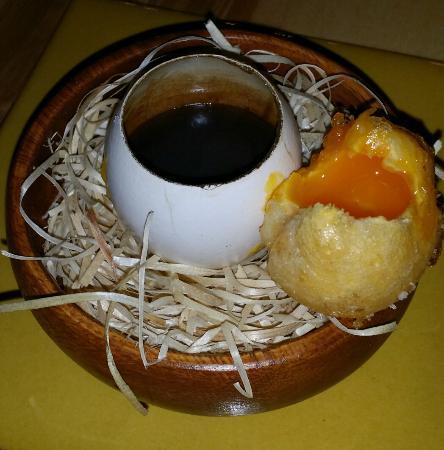 Yema de huevo crujiente con gelatina de setas picture of for Cocinar yema de huevo
