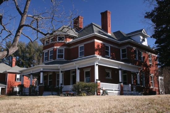 Heart Soul Bed And Breakfast 618 N Main Street Mt Airy Nc