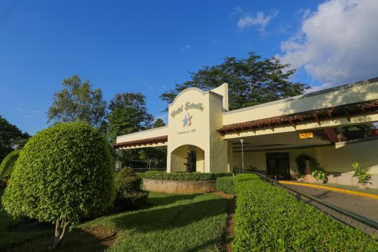 Hotel Estrella: Fachada