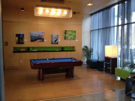 Aloft Charleston Airport & Convention Center: Funky rec room vibe in the Lobby