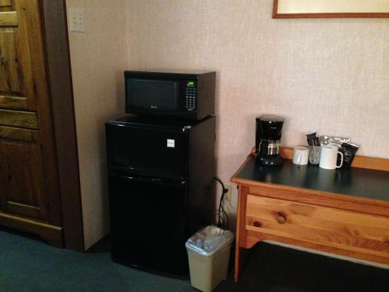 Mountainside Inn: Fridge/freezer, microwave, coffee maker