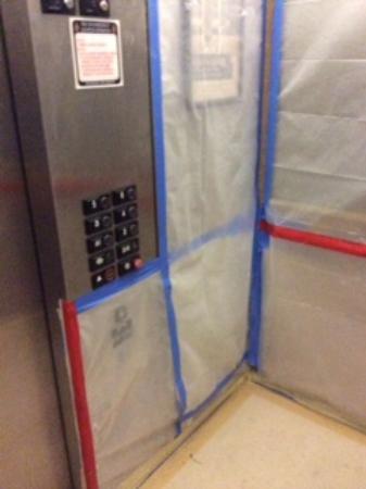 Hyatt Place Dublin/Pleasanton: Hotel Elevator