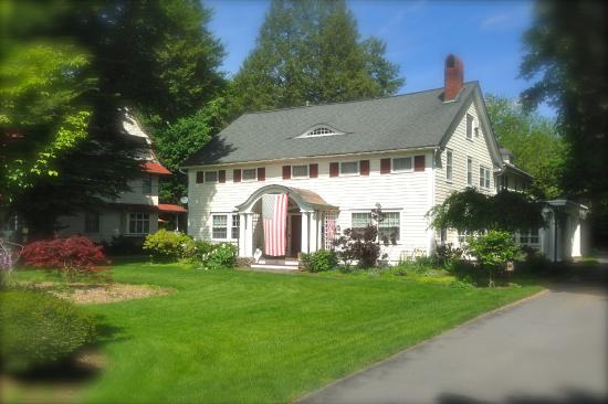 Warwick Valley Bed and Breakfast: Front view