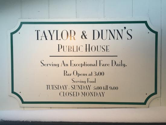 Taylor & Dunn's Public House: Taylor and Dunns Public House