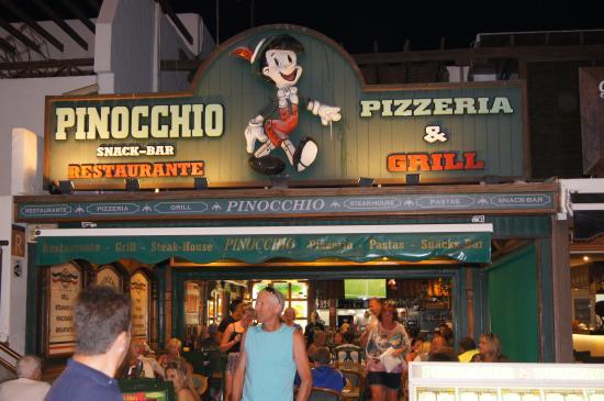 Baño Discapacitados Traduccion:Pinocchio outdoor seating: fotografía de Pinocchio Restaurante