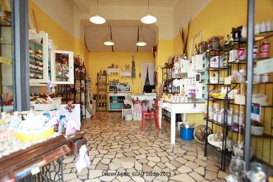 Kredenca Gift Shop