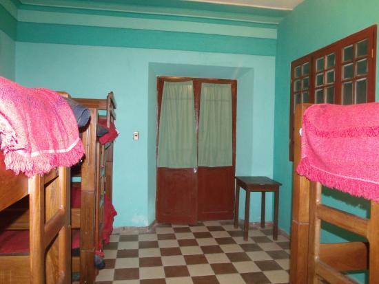 Amigo Hostel : Quarto com 6 camas
