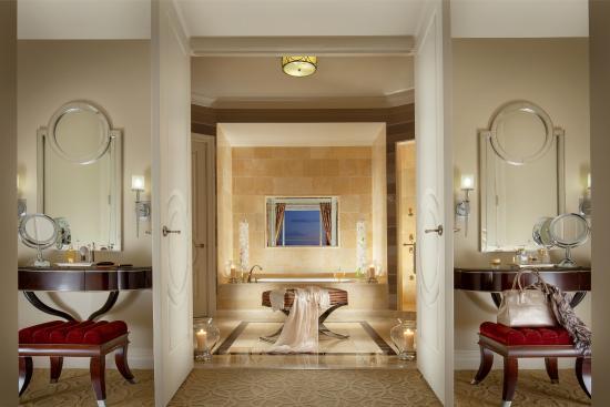 The Palazzo Resort Hotel Casino: Lago Two Bedroom Suite